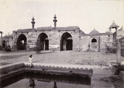 General view of the façade of Hilal Khan Qazi's Mosque, Dholka